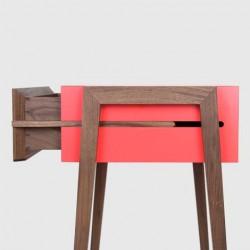 LepointD : style épuré, chaleureux, pointe de couleur, rendu brut.