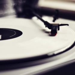 209743__record-vinyl-music-turntable-player-music-record-vinyl-turntable_p