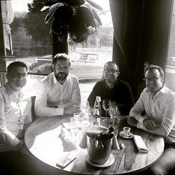 Une levée de fonds réussie Les nouveaux partenaires du Point D, Christian Salomon (Structa) et Laurent Beaugiraud (Villa Soleil), aux côtés de Damien Sanoner et Xavier Daublain