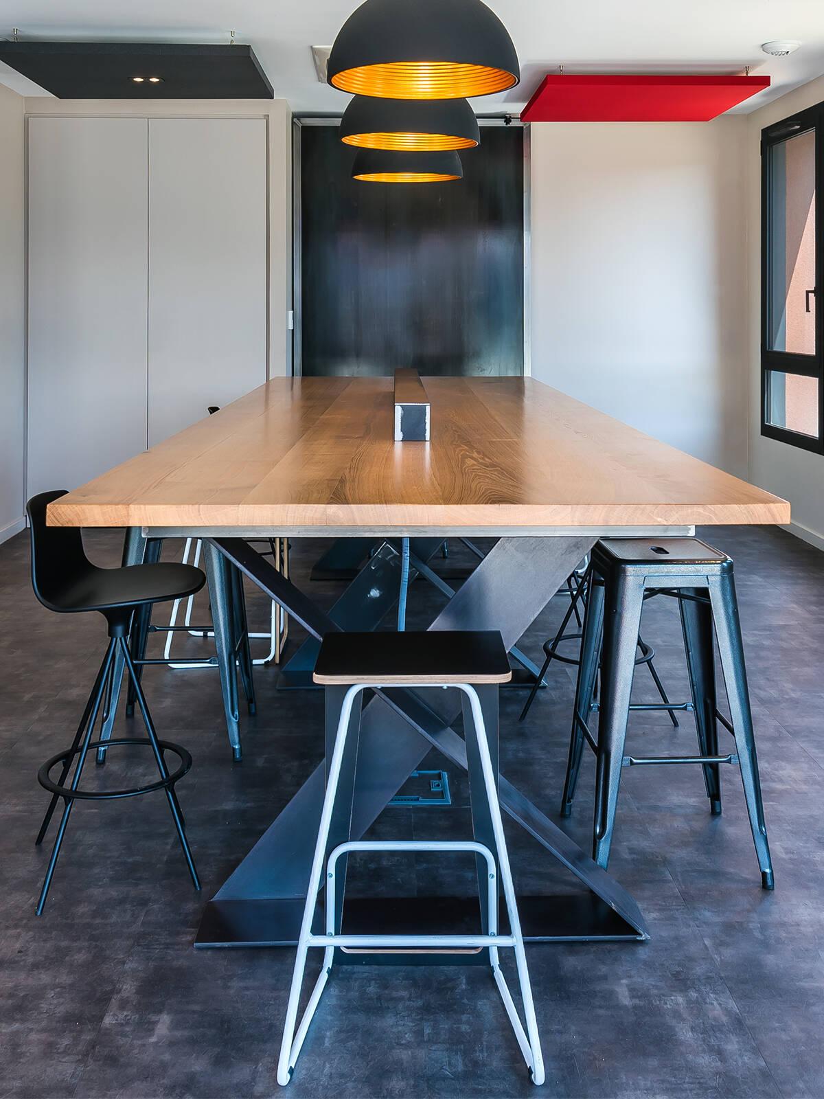 Les Courriers Rhôdanien - un projet d'agencement de bureaux par Le point D